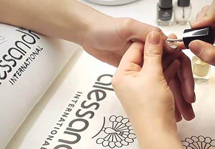 Allessandro voor je nagels